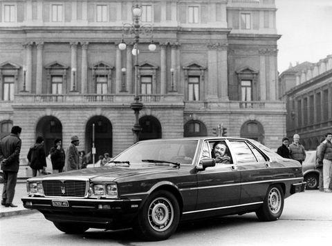 Land vehicle, Vehicle, Car, Coupé, Sedan, Classic car, Luxury vehicle, Personal luxury car, Automotive design, Executive car,