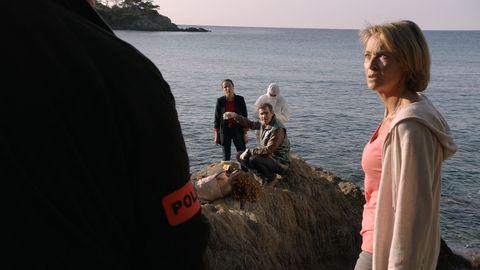 Multicine de Antena 3, 'Unidas por un asesino'. Un reencuentro y un asesinato.