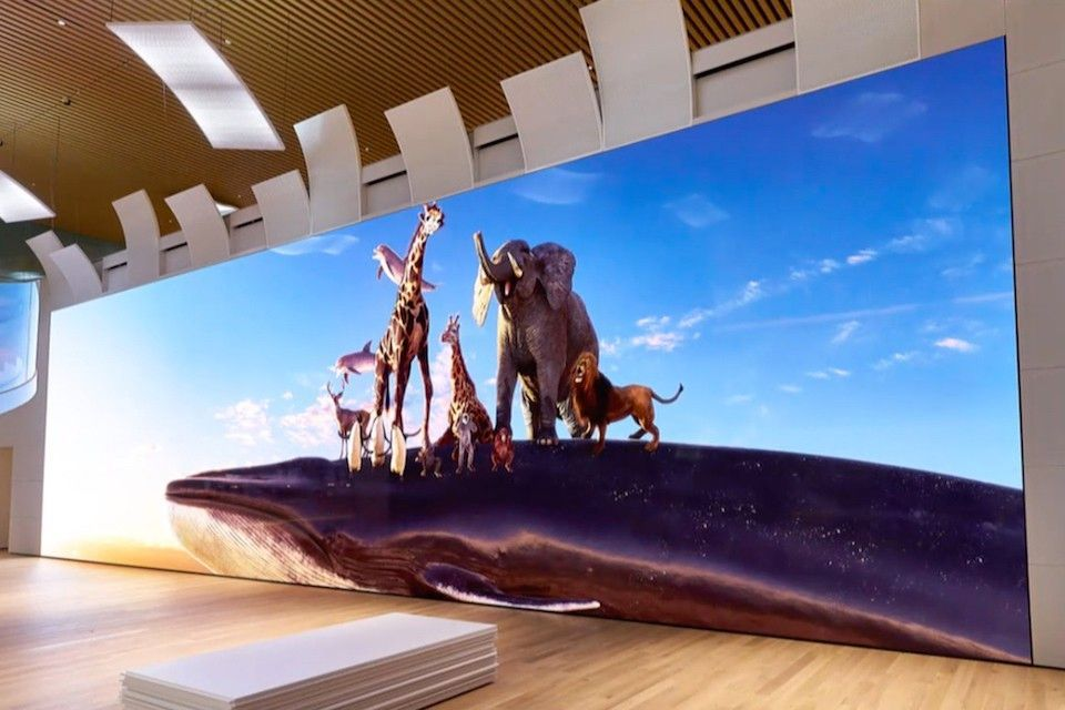 Sony's 63-Foot-Wide 16K TV Would Look Great In Your Spacious Mansion