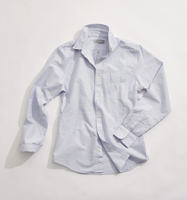 Everlane's Japanese Cotton Oxford Is the All-Seasons Shirt That Doubles as a Security Blanket
