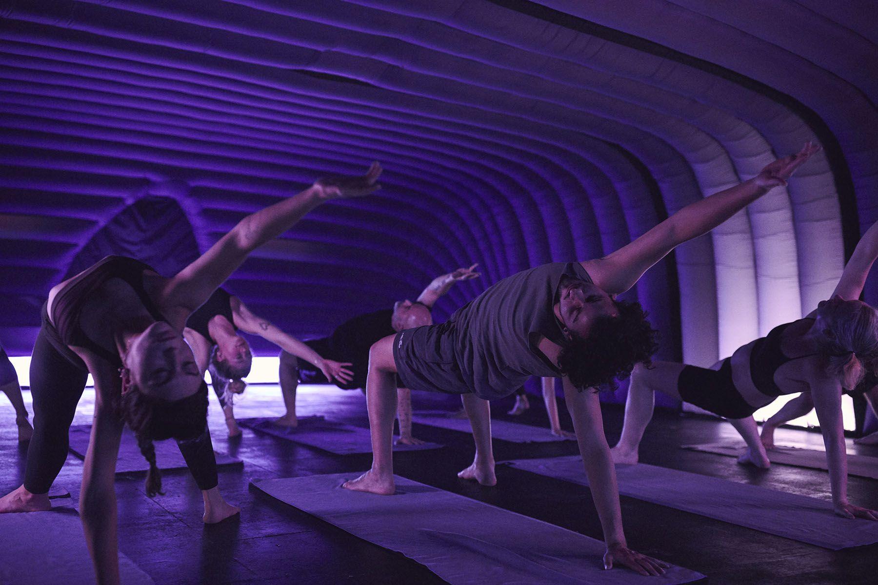 How hot yoga can help marathon runners