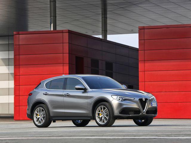 2018 Alfa Romeo Stelvio Price >> 2019 Alfa Romeo Stelvio Review Pricing And Specs
