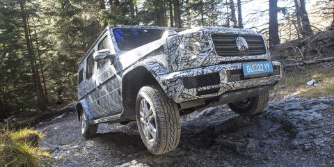 Land vehicle, Vehicle, Car, Off-roading, Regularity rally, Off-road vehicle, Automotive tire, Sport utility vehicle, Tire, Bumper,