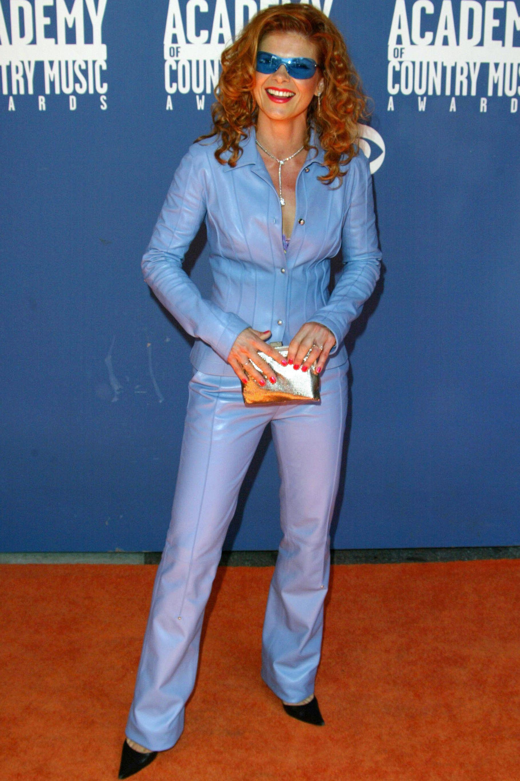 Lolita Davidovich, 2002
