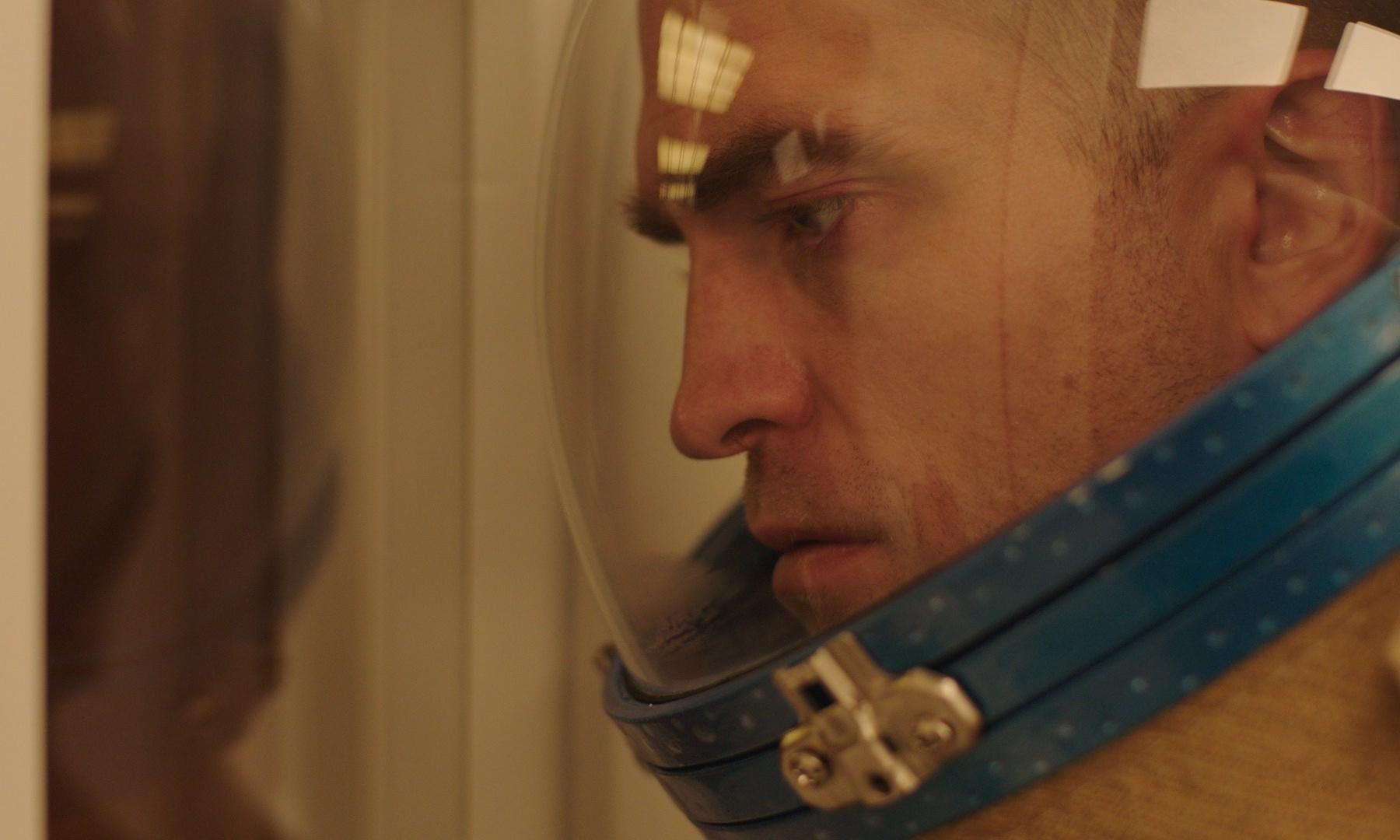 《暮光之城》羅伯派汀森首部科幻太空片《High Life》!一群死刑犯被送上太空進行「繁殖實驗」劇情超黑暗!