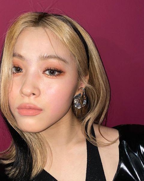 韓國女團吹起火紅髮帶染、公主切染不想染整頭也超有特色,兩大重點與配色推薦
