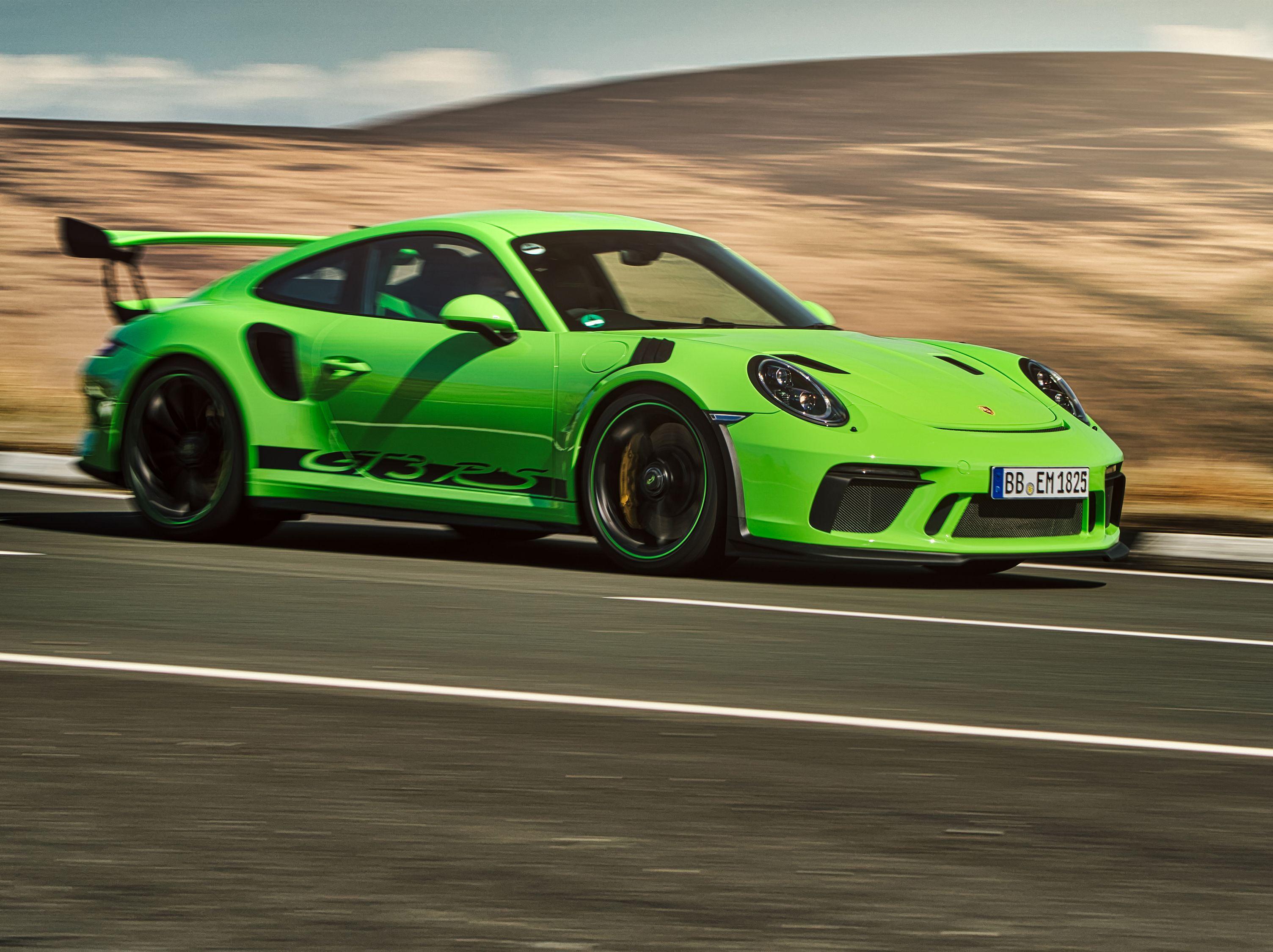 https://www roadandtrack com/new-cars/first-drives/a20075030/2019-porsche-911-gt3-rs-first-drive/
