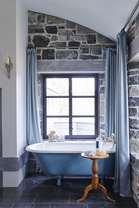 Blue country chic bathroom