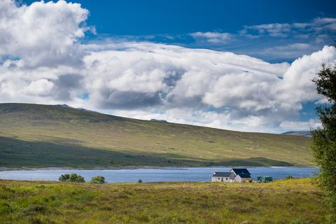 Beautiful Remote Scottish Cottage with Loch Views For Sale