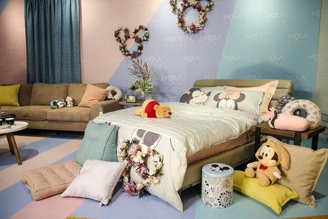 Bedroom, Bed, Room, Furniture, Interior design, Bedding, Bed sheet, Bed frame, Property, Pillow,