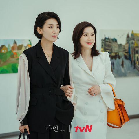 韓劇《我的上流世界》(《mine》)由李寶英、金瑞亨、李賢旭