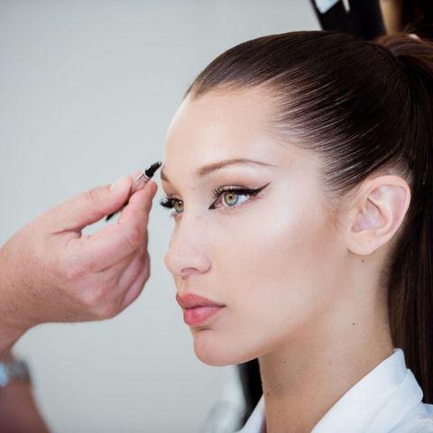 Hair, Face, Eyebrow, Skin, Hairstyle, Chin, Forehead, Eyelash, Nose, Cheek,