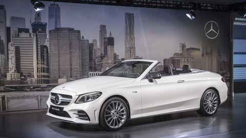 Land vehicle, Vehicle, Car, Personal luxury car, Luxury vehicle, Automotive design, Auto show, Mid-size car, Mercedes-benz, Convertible,