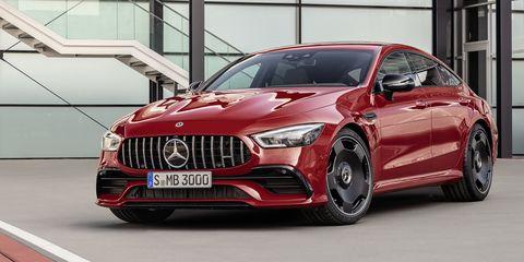 Verkaufsstart für neue Mercedes-AMG GT 4-Türer Coupé Modelle: Sportwagen-Portfolio wächst weiter  Sales launch of the new Mercedes-AMG GT 4-door Coupé models: Sports car portfolio continues to grow