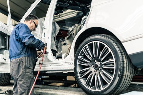 Alloy wheel, Tire, Wheel, Automotive tire, Rim, Motor vehicle, Spoke, Vehicle, Car, Auto part,