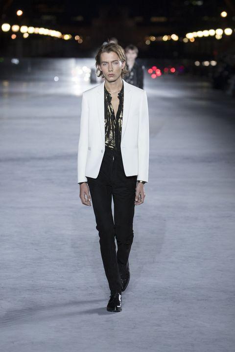 Fashion, Suit, White, Clothing, Fashion show, Runway, Fashion model, Formal wear, Blazer, Outerwear,