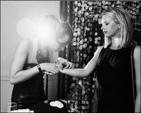 Dress, Monochrome, Flash photography, Day dress, Long hair, Monochrome photography, Black-and-white, Necklace, Step cutting, One-piece garment,