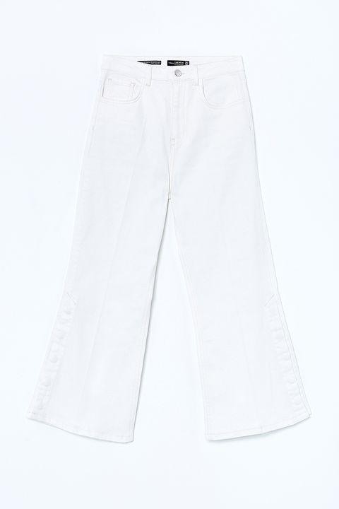 White, Clothing, Denim, Trousers, Pocket, Jeans, Shorts, Bermuda shorts, Sportswear,