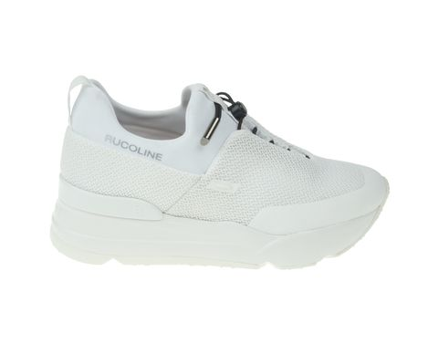Sneakers Primavera Estate 2018  i modelli bianchi da avere subito 6233132191b