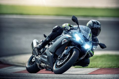 Kawasaki ZX-6R Supersport Bike Review | Why Supersport Bikes Are