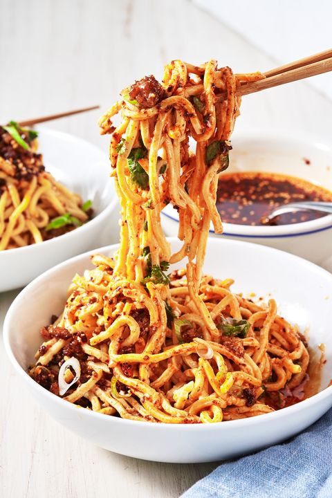 Dish, Food, Cuisine, Fried noodles, Noodle, Hot dry noodles, Chow mein, Bigoli, Ingredient, Spaghetti,