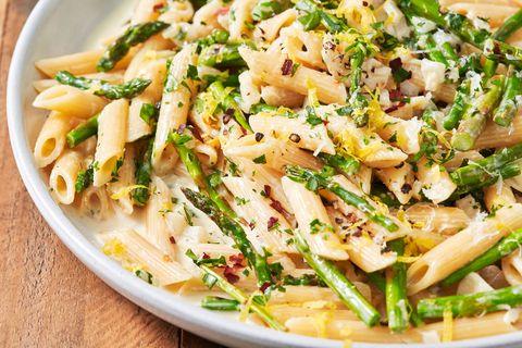lemony asparagus pasta   delishcom