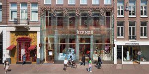 Tienda con fachada transparente de MVRDV para Hermes