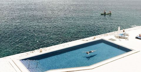 33 Striking Pool Designs Beautiful Swimming Pool