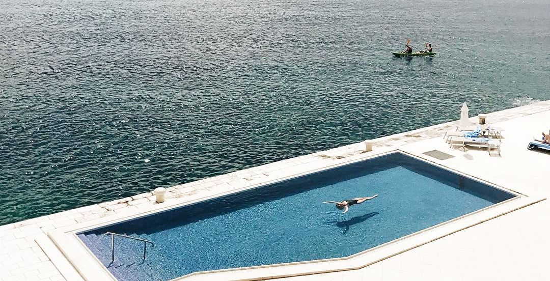 33 Swimming Pool Designs That Are Summoning Summer