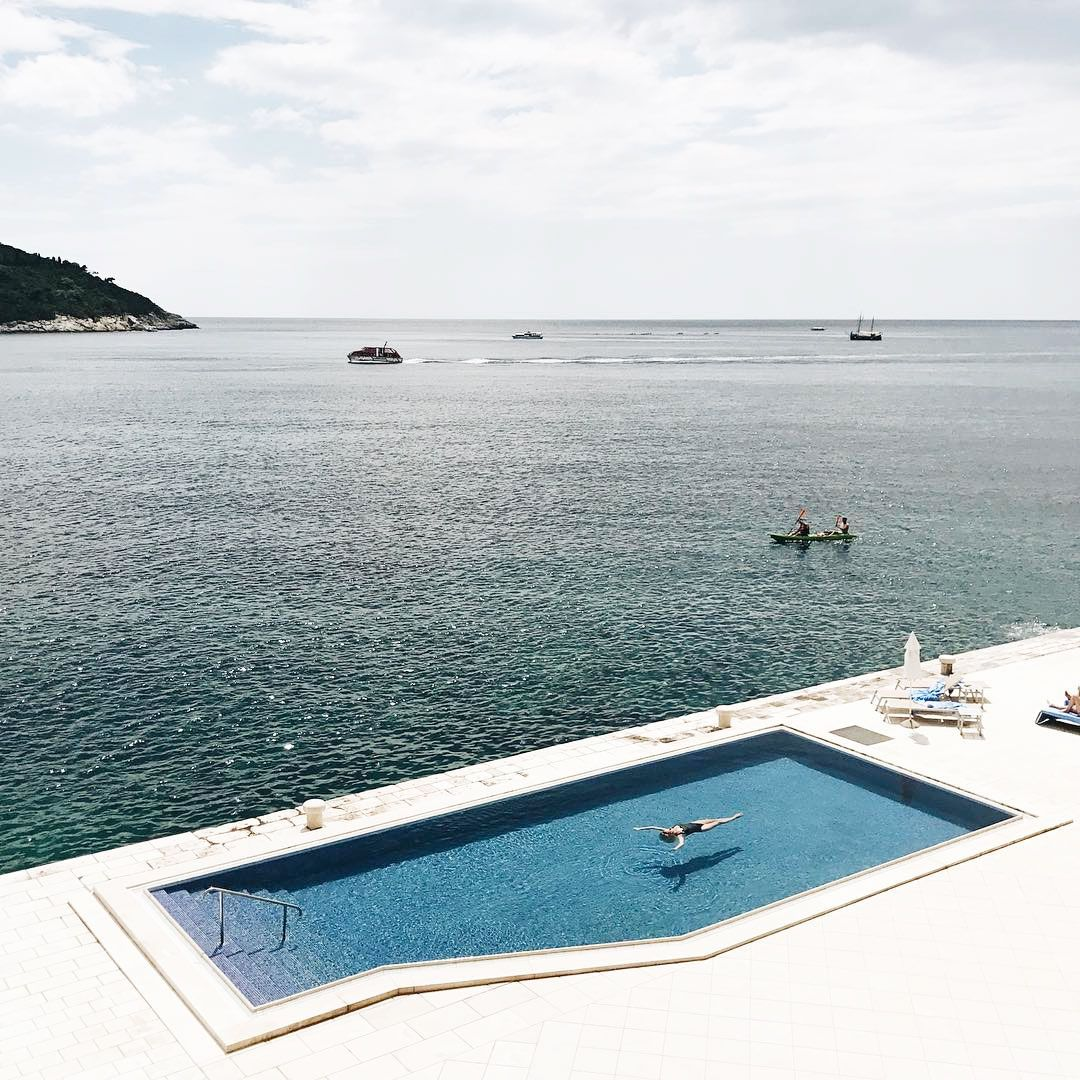 34 Swimming Pool Designs That Are Summoning Summer