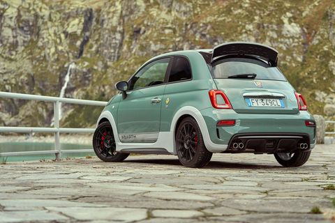 Land vehicle, Vehicle, Car, City car, Motor vehicle, Alloy wheel, Automotive design, Wheel, Rim, Fiat 500,