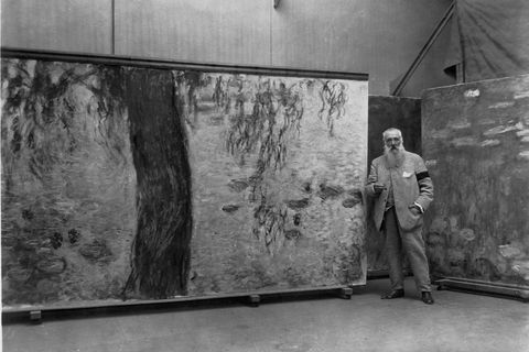Claude Monet with Nympheas Panel