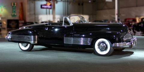 Land vehicle, Vehicle, Car, Classic, Classic car, Antique car, Coupé, Vintage car, Full-size car, Automotive design,