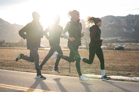People in nature, Running, Jogging, Atmospheric phenomenon, Recreation, Morning, Exercise, Sky, Sunlight, Half marathon,