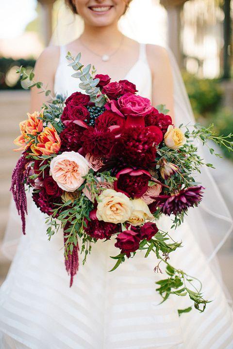 Flower, Bouquet, Flower Arranging, Floristry, Cut flowers, Floral design, Garden roses, Red, Rose, Plant,