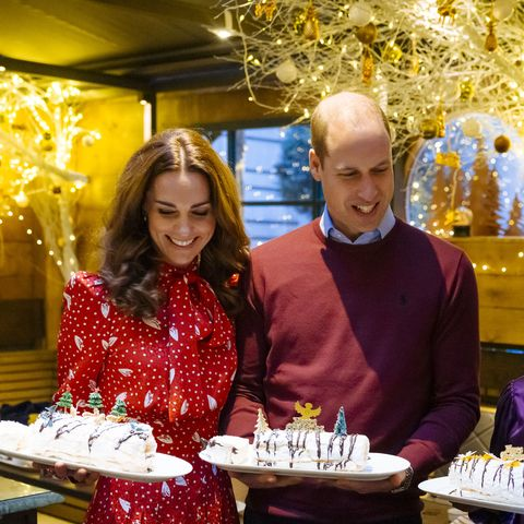 We Adore Kate Middletons Festive Dress For A Berry Merry
