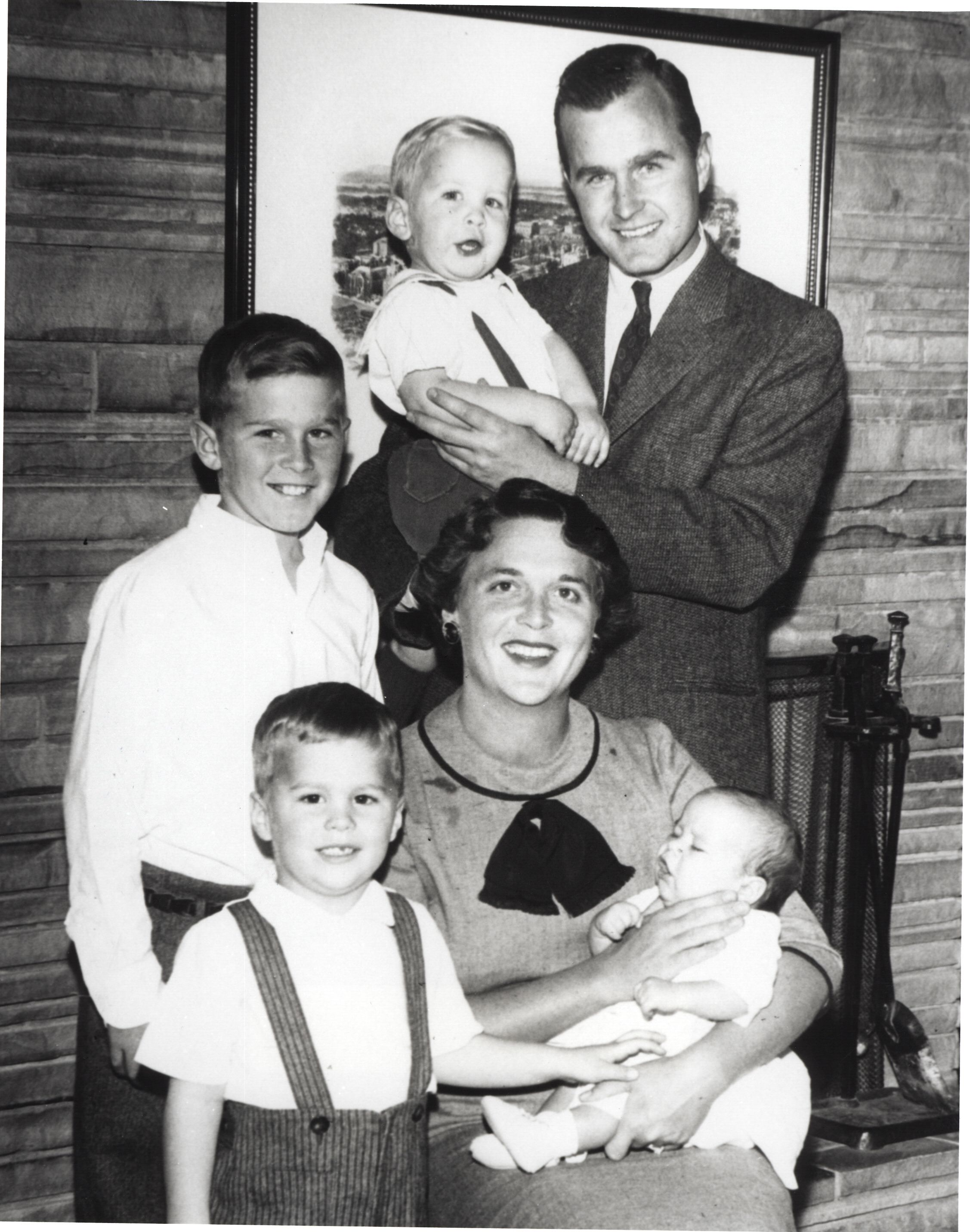 Barbara And George H W Bush S Love Story Through The Years