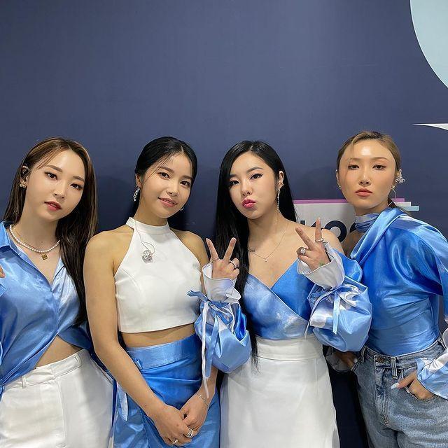 韓国の実力派4人組ガールズグループ・mamamoo。デビュー7周年を迎える今年、メンバーのフィインが所属事務所・rbwとの専属契約を終了することを発表。契約終了後も2023年12月までグループ活動を継続するとし、自身のinstagramを通してファンにメッセージを伝えた。