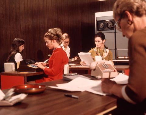 1970s 5 women office