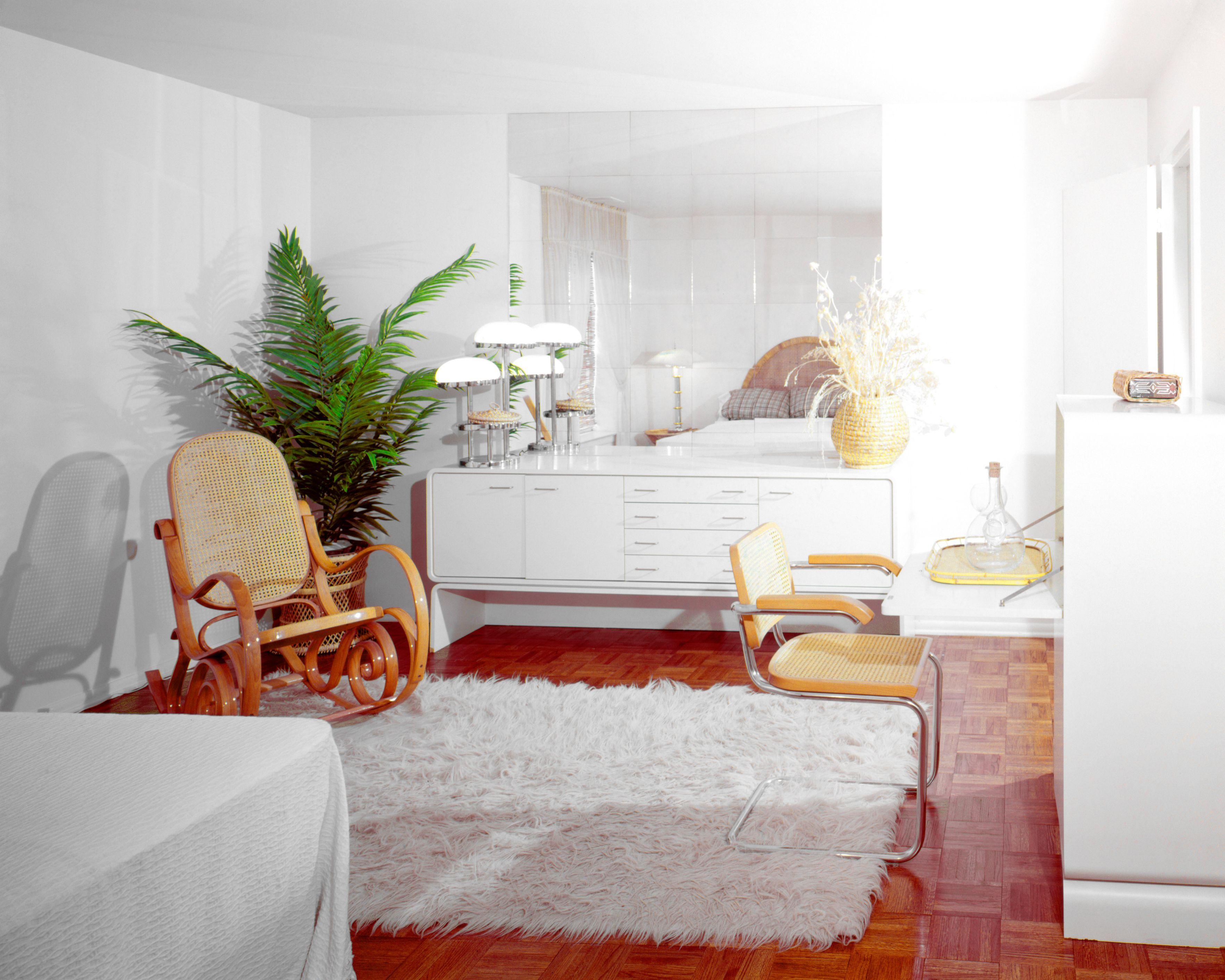 1970s BEDROOM WHITE.