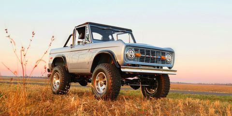 Land vehicle, Vehicle, Car, Off-roading, Sport utility vehicle, Compact sport utility vehicle, Ford, Classic car, Ford bronco, Off-road vehicle,