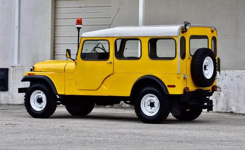 Land vehicle, Vehicle, Car, Motor vehicle, Yellow, Jeep, Jeep cj, Off-road vehicle, Hardtop, Jeep dj,