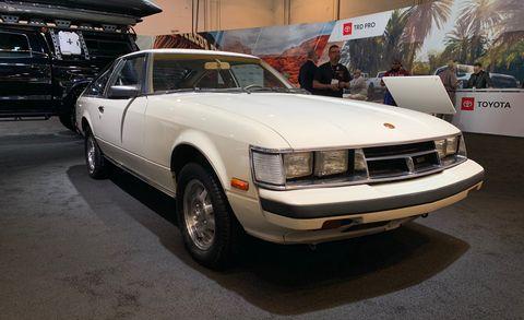 Land vehicle, Vehicle, Car, Sedan, Classic car, Coupé, Hardtop, Hood,