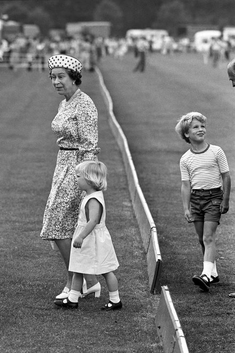 queen elizabeth holding hands withzara phillips 1984