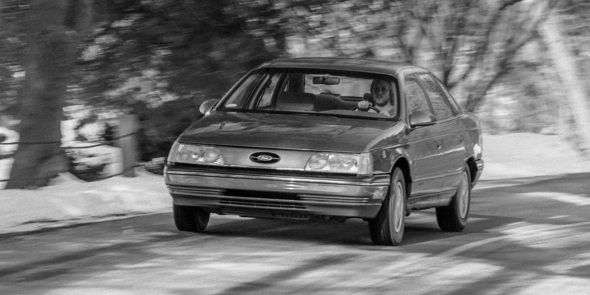 1986 Ford Taurus LX Shapes the Future of the Family Sedan