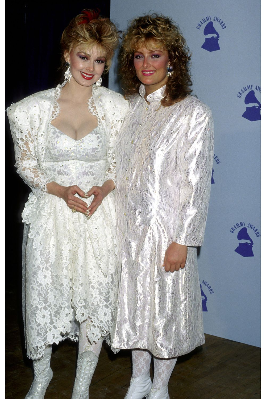 Naomi Judd and Wynonna Judd, 1987