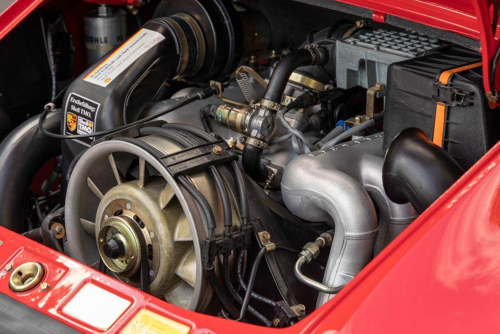 [Image: 1989-porsche-911-speedster-1578077239849...size=980:*]