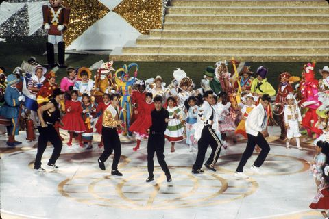 Event, Dance, Performance, Choreography, Performing arts, Line dance, Tourism, Crowd,