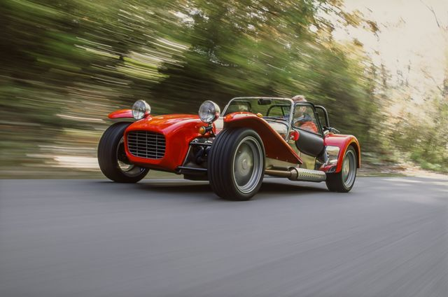 Caterham Super 7 Blends the Lightweight Purity of the Lotus 7 With A Modern Drivetrain