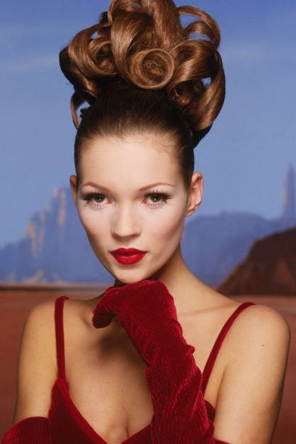 Hair, Hairstyle, Beauty, Lip, Chin, Fashion, Model, Chignon, Forehead, Bun,